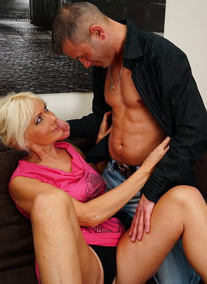 He satisfies her tight mature pussy with hard cock