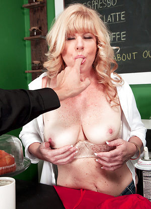 Milf Jacking And Sucking So You Can Jack, Too